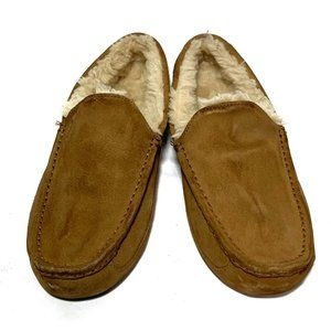 UGG Men Slipper Size 9